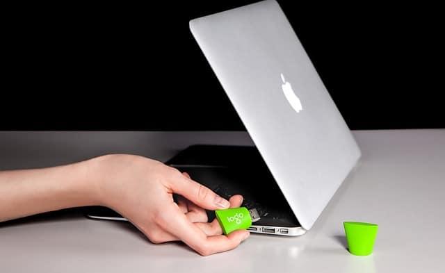 विंडोज में एक यूएसबी फ्लैश ड्राइव का विभाजन कैसे करें | How To Best Partition a USB Flash Drive in Windows